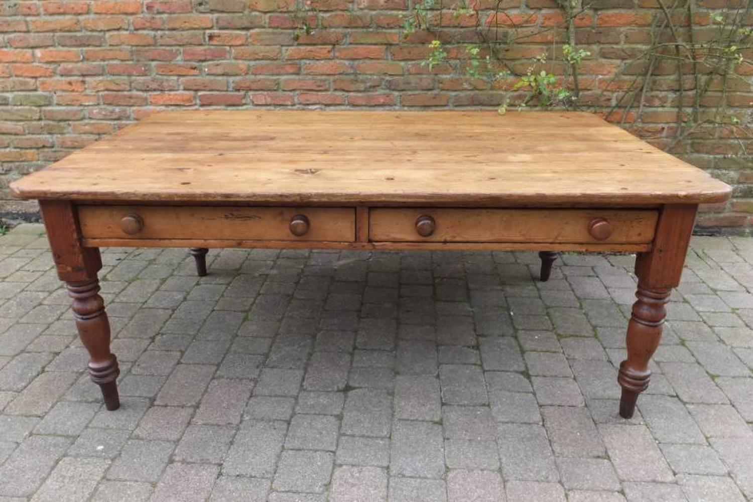 Large Victorian Country Pine Table to Seat 8