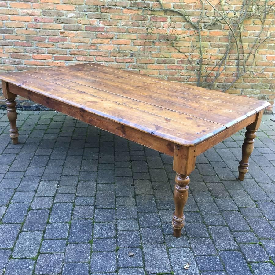Very Large Victorian Pine Table - Seats 10 - 12