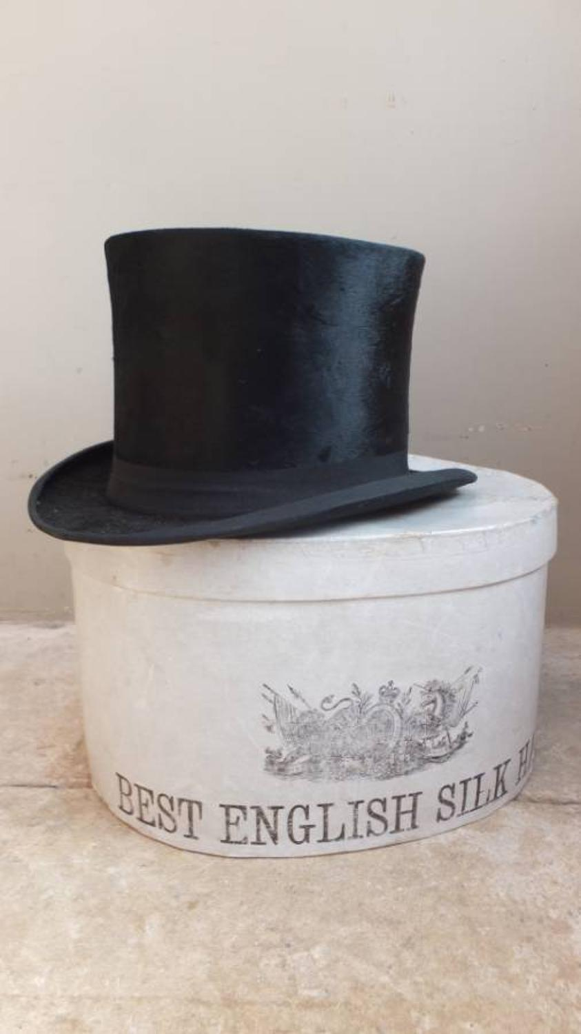 1920s Best English Silk Hat Box with Hat