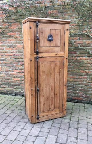 Late Victorian Pine Cupboard with Kents Iron Locking Mechanism - Spitl
