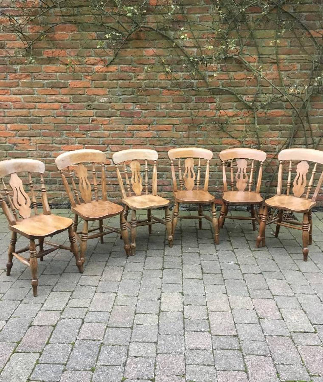 Victorian Harlequin Set of Six Pierced Splat Back Elm Chairs