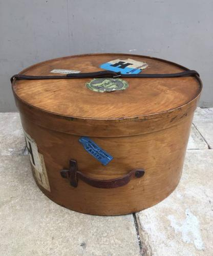 Superb Condition Early 20th Century Travelling Hat Box