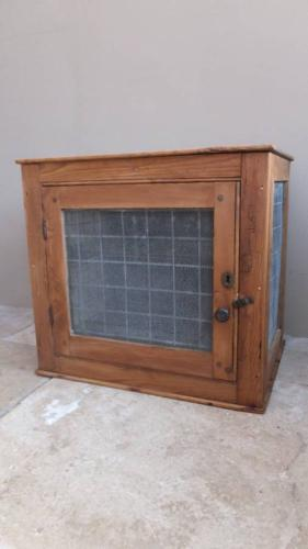 Victorian Pine Food Safe with Original Mesh
