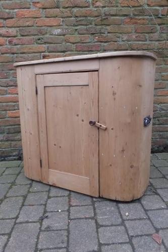 Superb Condition Victorian Pine Huffer Cupboard