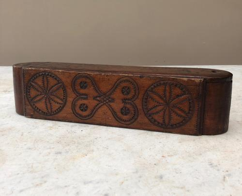 Early Victorian Carved Treen Quill Box - Intertwined Hearts