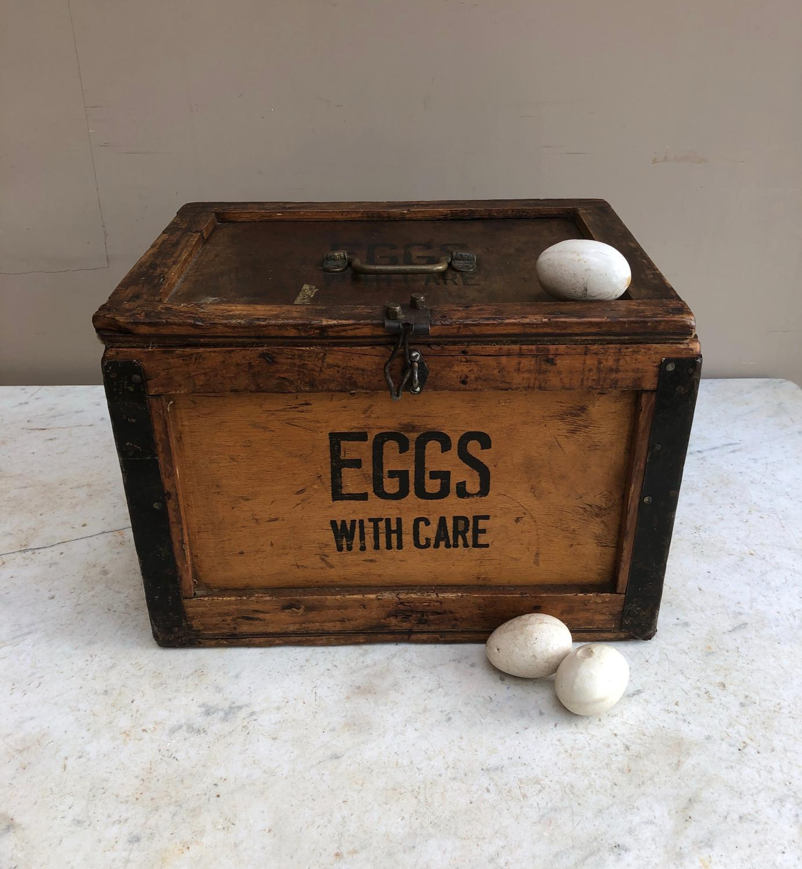 1930s Travelling EGGS Box