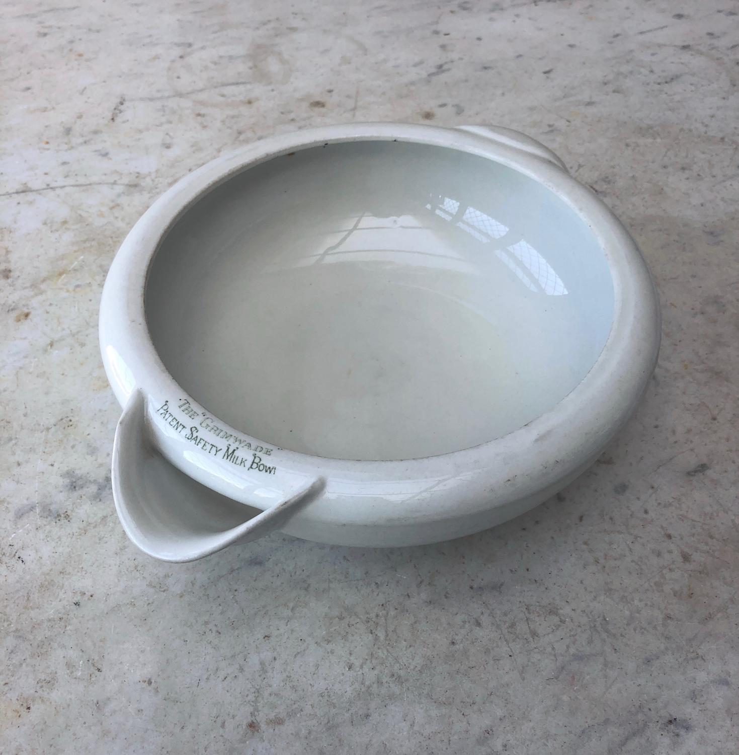 Early 20th Century The Grimwade Patent Safety Milk Bowl