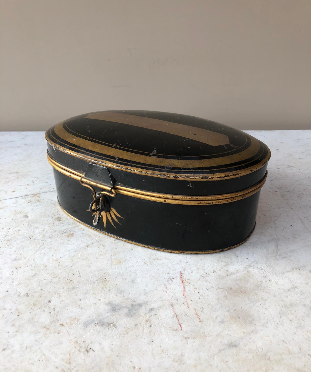 Early Victorian Toleware Wig Box