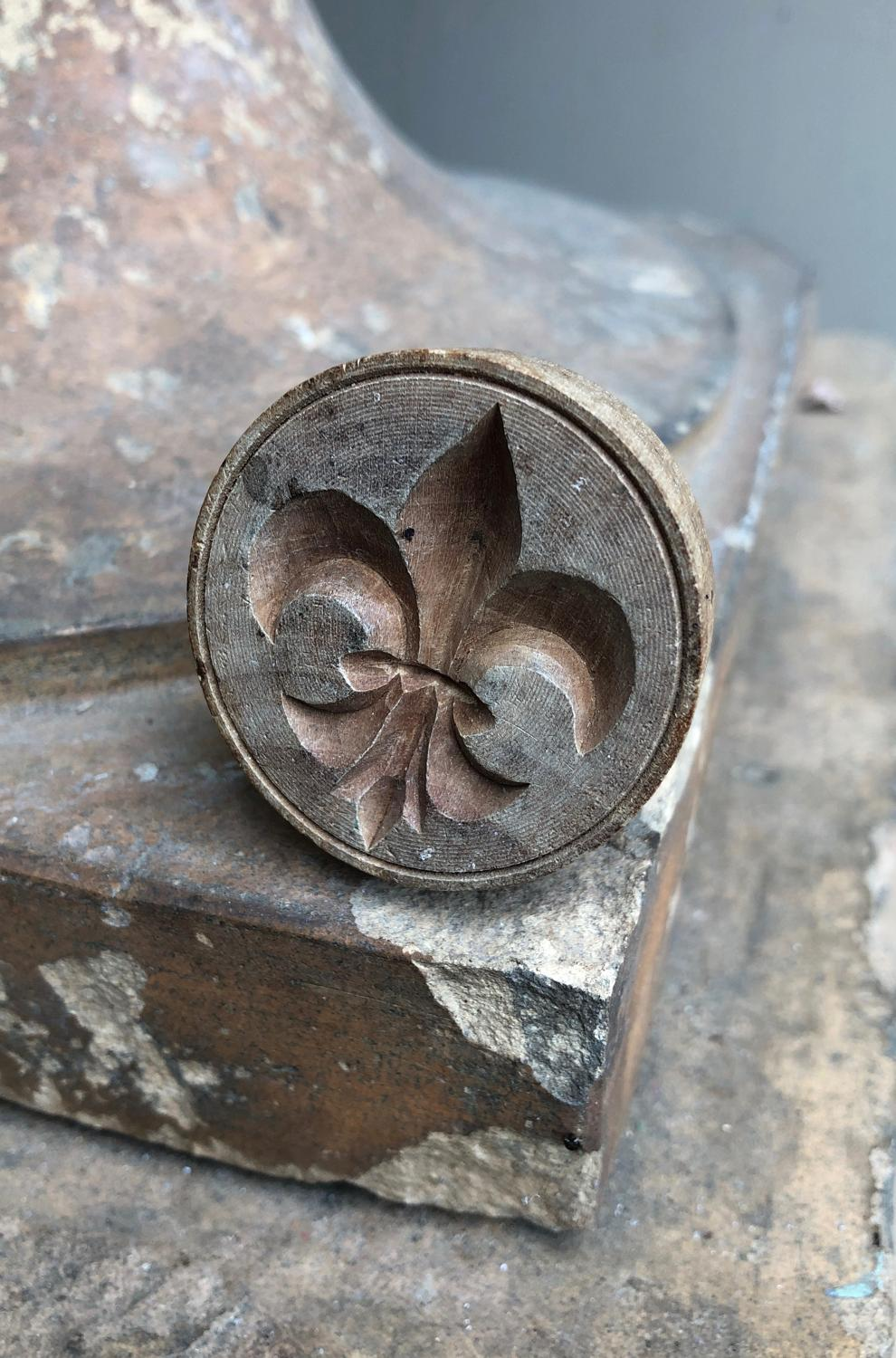 Early 20th Century Carved Treen Butter Stamp - Fleur de Lys
