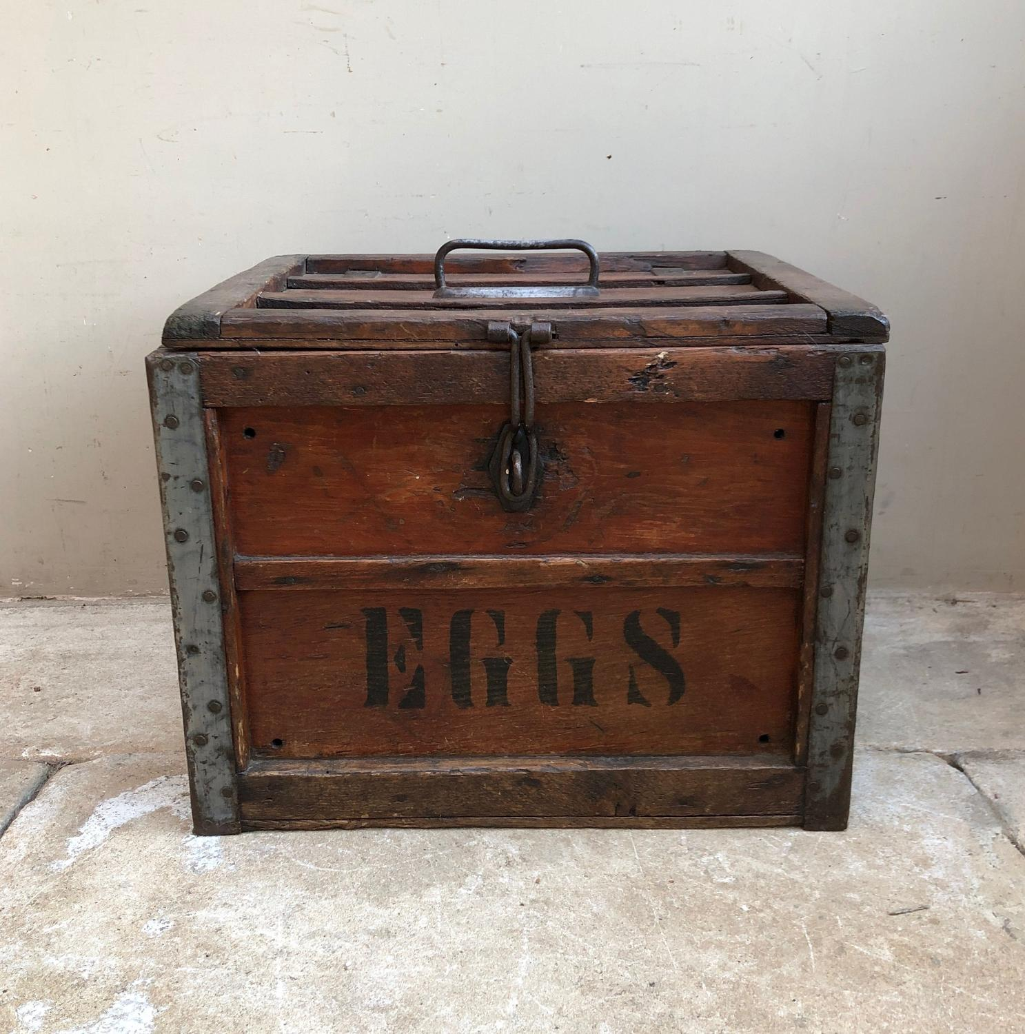 Large Early 20thC Travelling Eggs Box - The Dairy Outfit Co