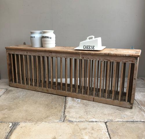 Victorian Pine Single Tier Plate Rack for 22 Plates