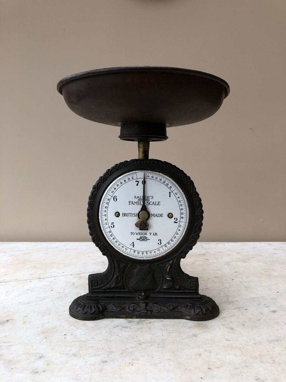 Early 20thC Salter Family Scales with White Enamel Face
