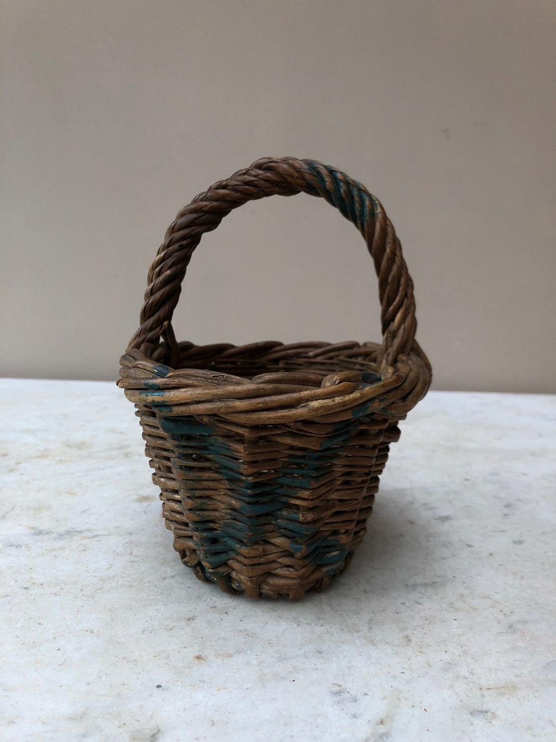 Late Victorian Super Cute Berry Basket - Great for Eggs or Lemons