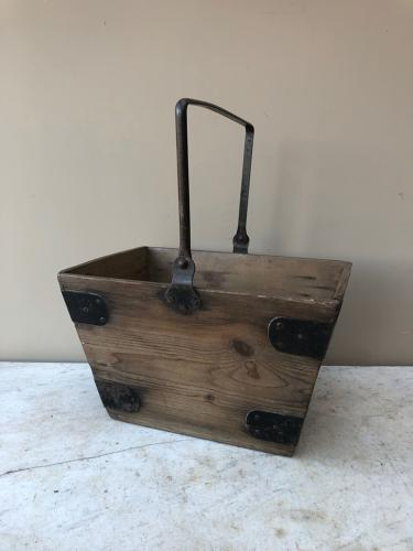 Early 20th Century Pine Maids Help Box in Excellent Condition