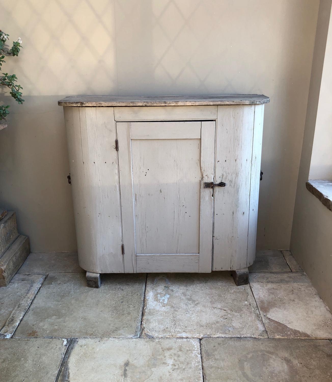 Victorian Pine Huffer Cupboard - Shelved with Original Handles & Feet