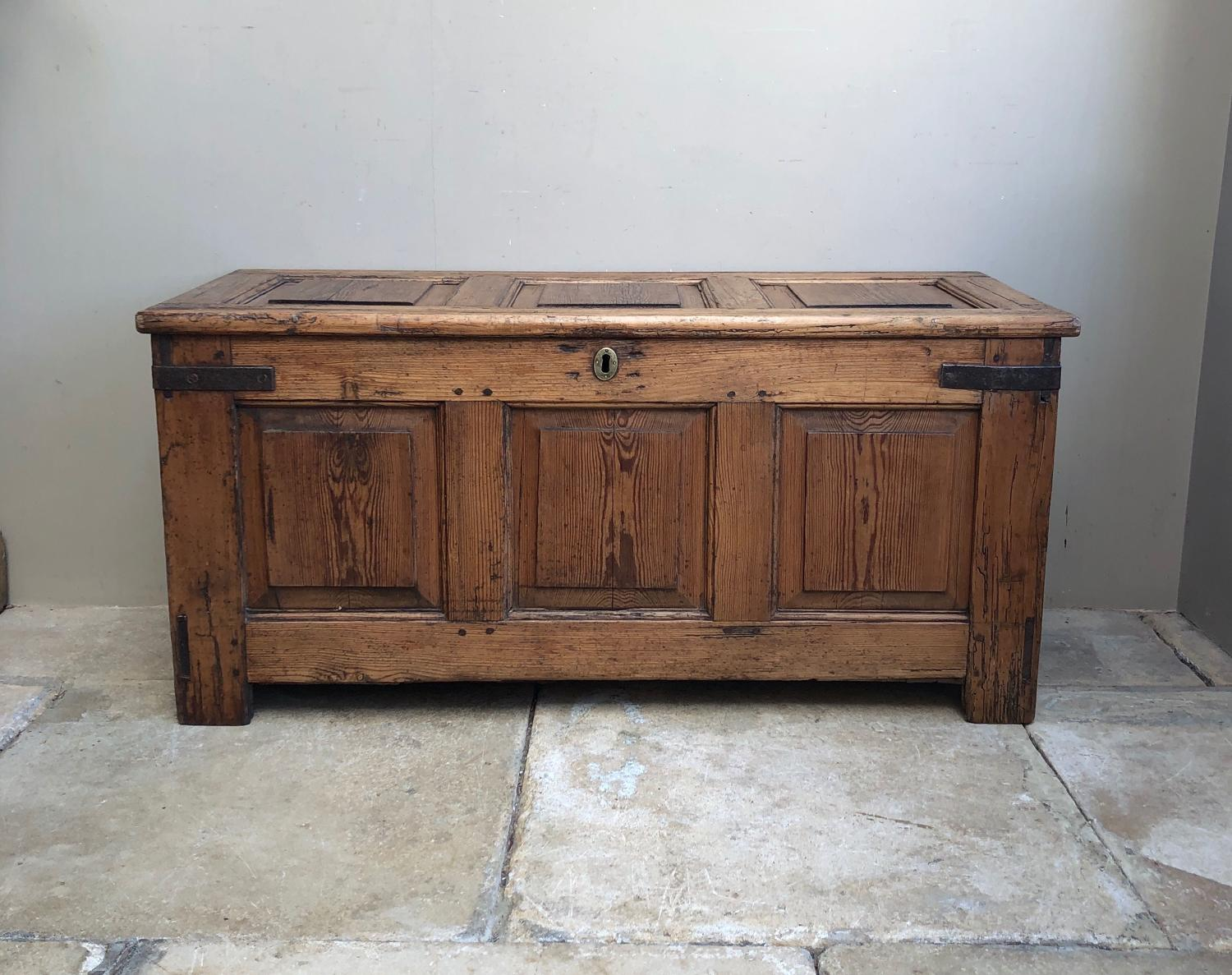 Excellent Condition Mid 18thC Georgian Pine Panelled Coffer c.1750