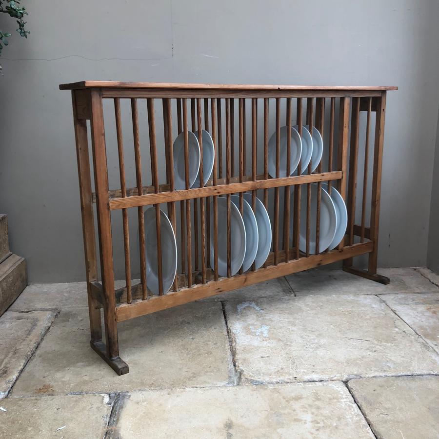Large Victorian Pine Country House Plate Rack - Holds 36 Plates.
