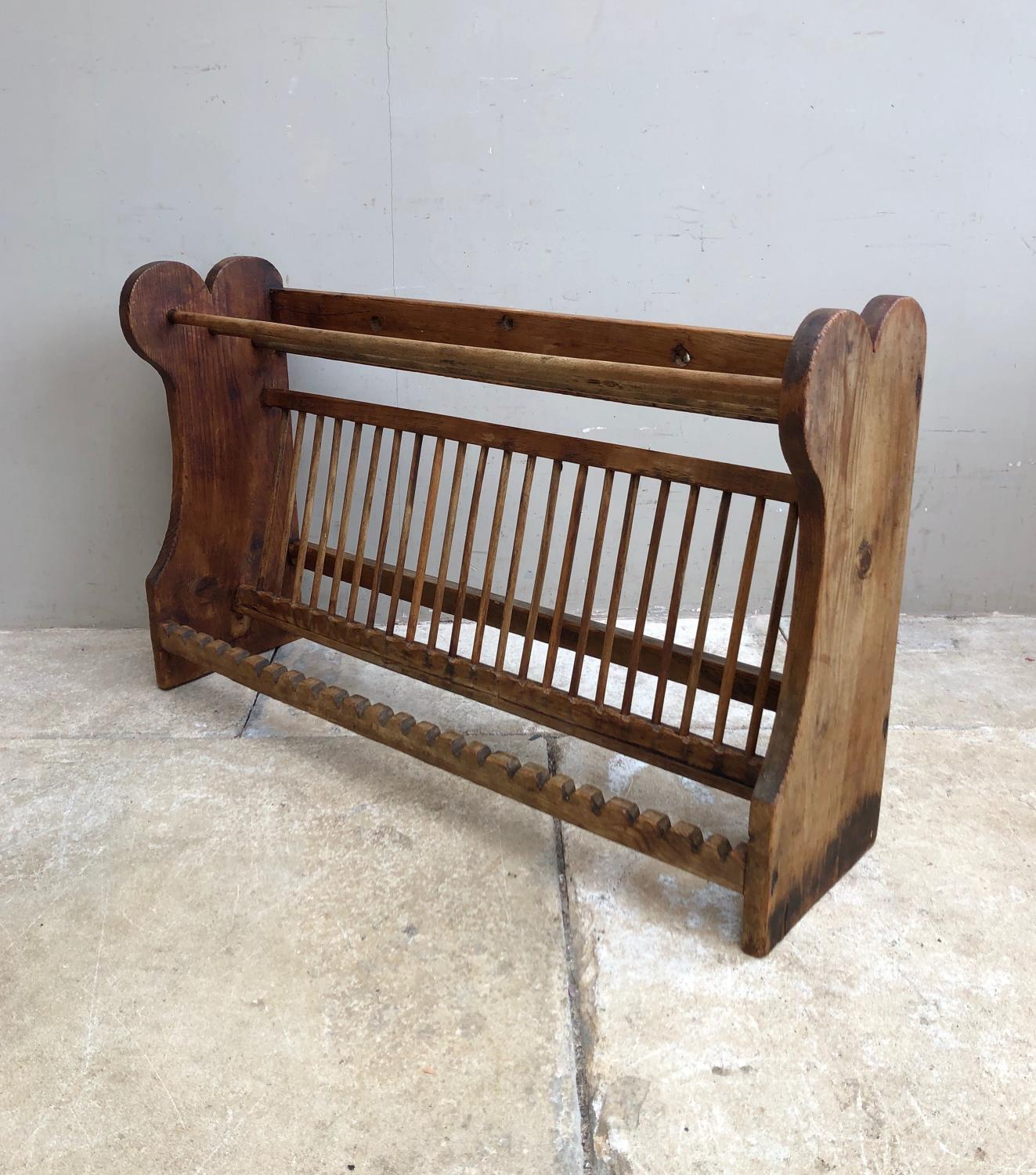 Edwardian Pine Single Tier Plate Rack - Larger than Average