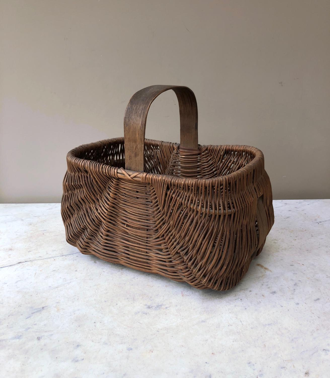 Lovely condition Victorian Basket with Central Pine Strap and Handle