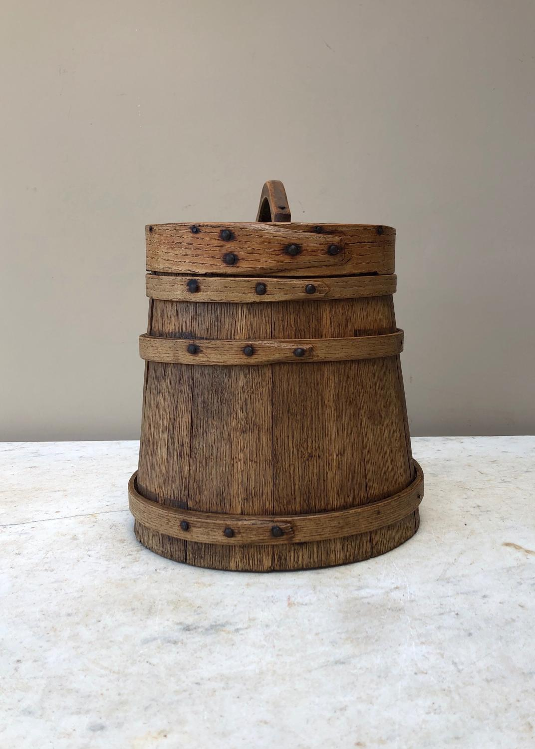 Late Victorian Coopered Oak Flour Barrel with Original Lid