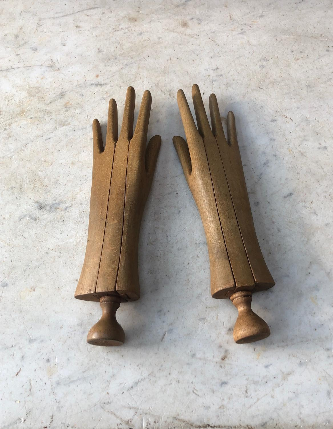 Rare Pair of Late Victorian Treen Glove Driers - Stretchers