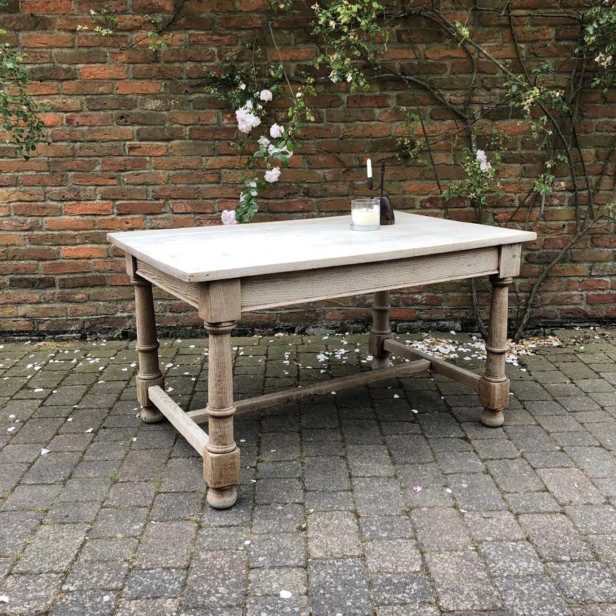 Early 20th Century Bleached Oak Table - Seats Six Easily
