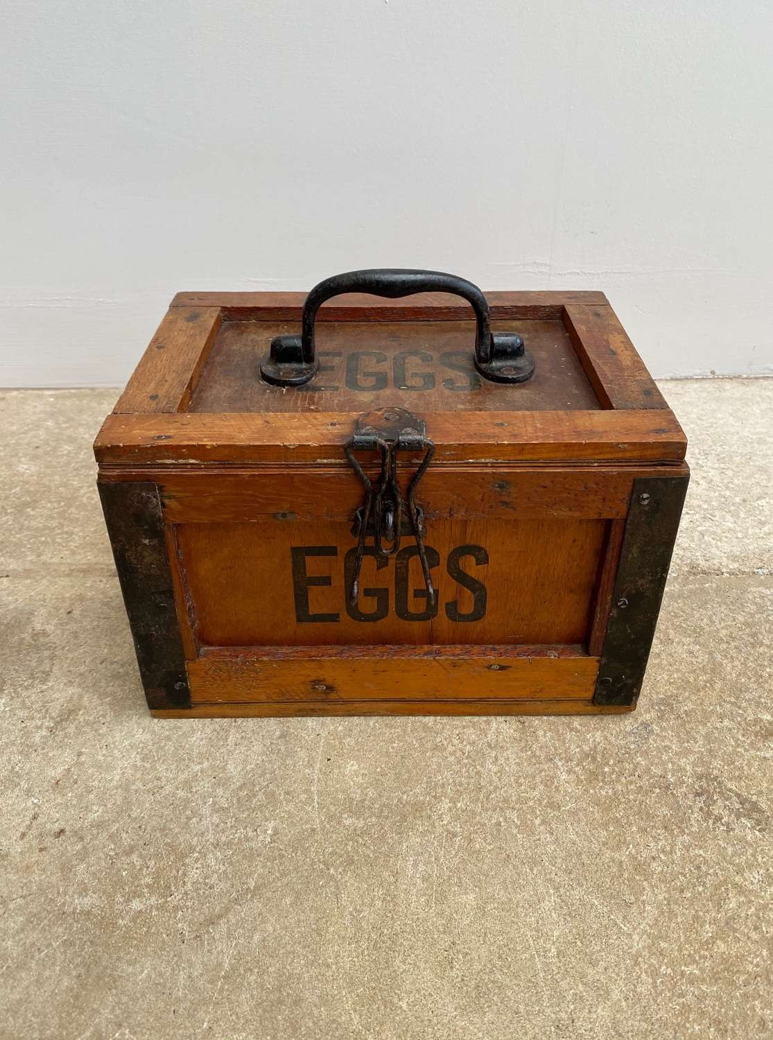 Early 20th Century Travelling Eggs Box - Metal Bound