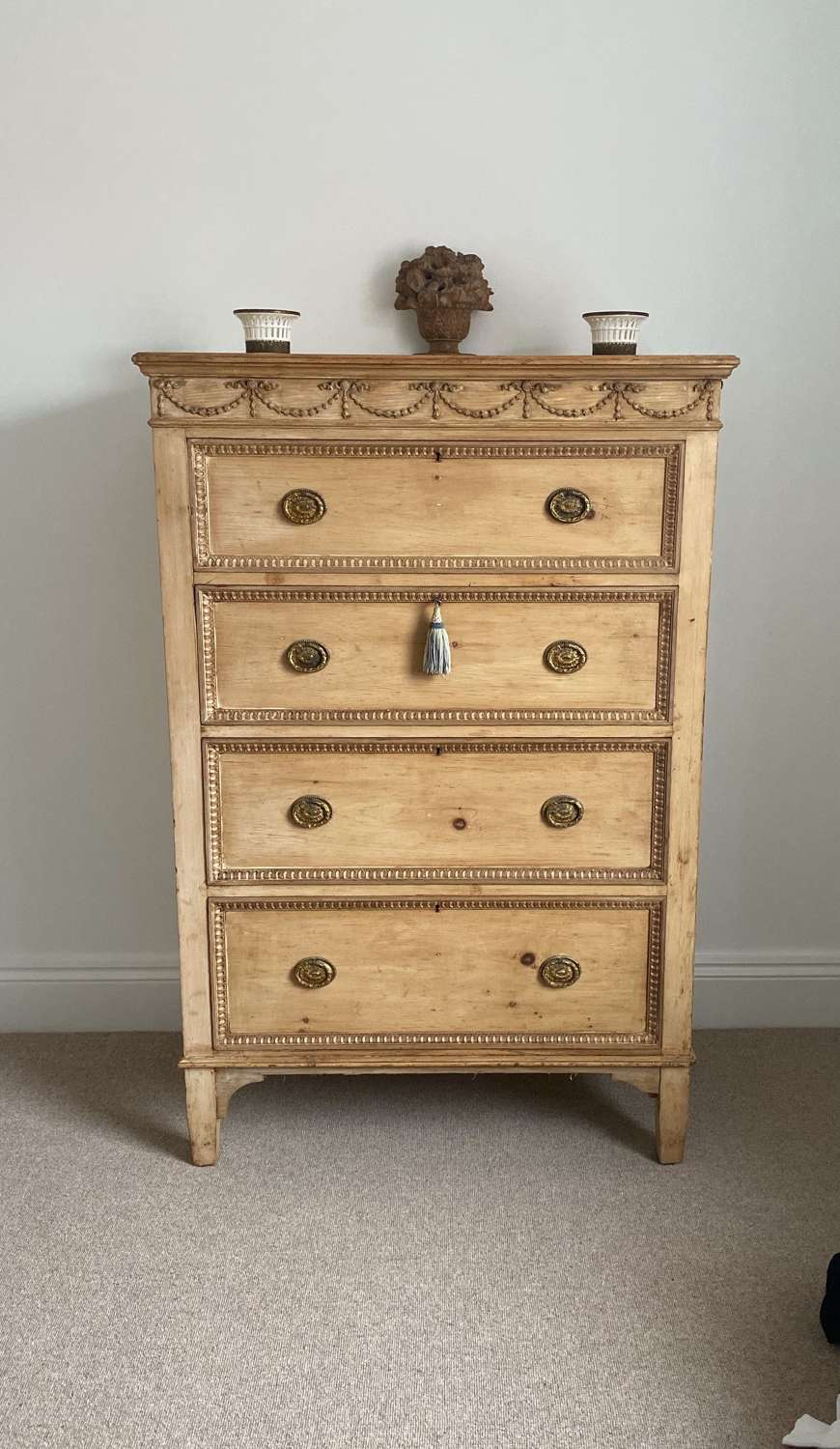 Exceptional Victorian Pine Chest of Four Drawers.