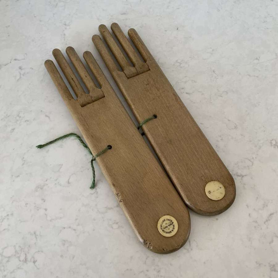 Pair of Late Victorian Lady's Treen Glove Stretchers - Driers