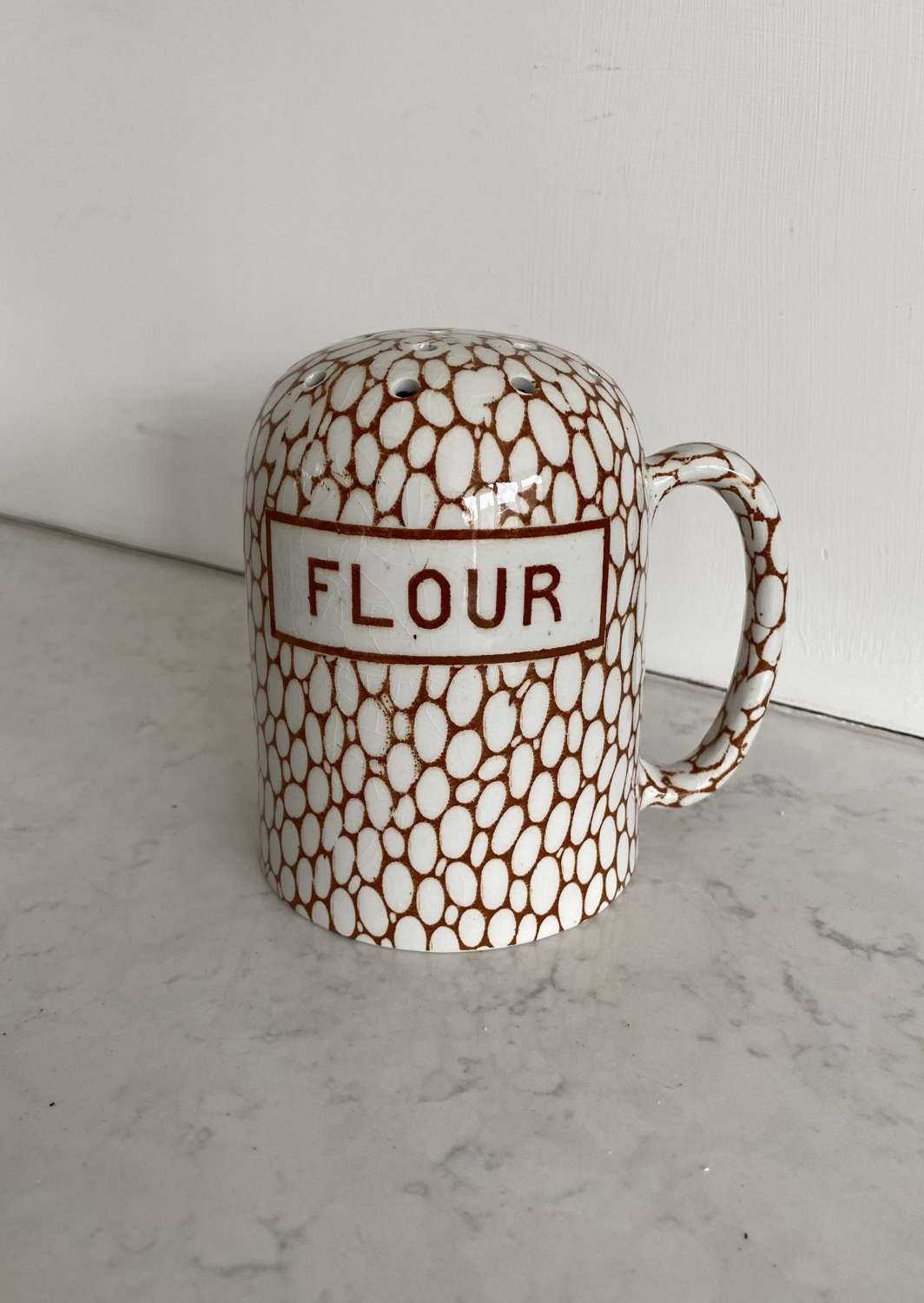 Maling Brown Cobblestone Flour Shaker in Lovely Condition