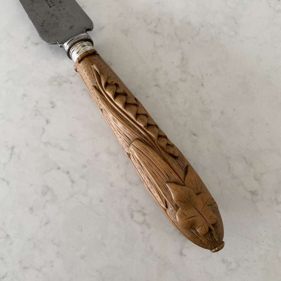Victorian Bread Knife - Large with Finely Carved Treen Handle
